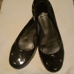 Black patent leather tory burch flats in GUC